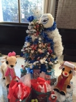 Attorney Megan Kendall Decorated The Conboy Tree for Samaritan Health's Festival of Trees